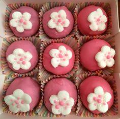 Flower themed Happy Birthday Cake Bites