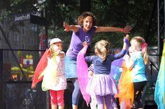 Kinderfest bei uns in der Nachbarschaft, immer schön. Alle kennen sich und die Kleinen haben Spaß.