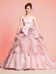 ウエディングドレス、高品質な結婚式ドレスならW by Watabe Wedding / U AYA UETO DRESSES・プリンセスライン・カラードレス・上戸彩・ピンク
