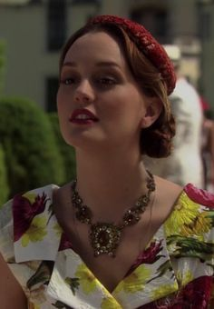 Blair Waldorf is the modern epitome of elegance. The kind that we thought was gone. Eric Daman is a genius for helping create this phenomenal TV character.