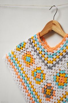 Girls marshmallow poncho / baby girl crochet outfit / by Nastiin
