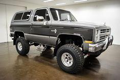 1987 Chevrolet K-5 Blazer Old Pickup Trucks, Lifted Ford Trucks, Gm Trucks, Chevrolet Trucks, Cool Trucks, Chevy 4x4, Chevy Blazer K5, K5 Blazer, Ford Excursion