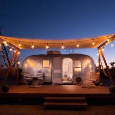 5 Apr 2020 - Private room for Merchant on the Road airstream has been curated by the mother/daughter duo of Merchant Modern. Airstream Living, Airstream Campers, Airstream Remodel, Airstream Renovation, Airstream Interior, Remodeled Campers, Camper Trailers, Travel Trailers, Airstream Bambi