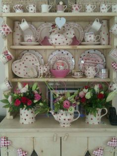 A Shabby Chic Living Room – Decorating On a Budget – Shabby Chic Talk Modern Shabby Chic, Estilo Shabby Chic, Shabby Chic Living Room, Shabby Chic Kitchen, Shabby Chic Homes, Shabby Chic Style, Shabby Chic Furniture, Shabby Chic Decor, Luxury Furniture