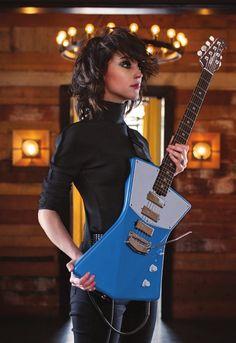 Annie Clark's hair side view St Vincent Annie Clark, Saint Vincent, Guitar Girl, Bass, St Vincent Guitar, Trevino Art, Women Of Rock, Female Guitarist, Up Girl
