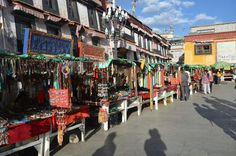 Lines of jewelry stalls in the #Bakhor street #Tibet travel #Lhasa Tour #Jokhang temple