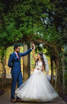 ideas for wedding indian christian india Wedding Stills, Wedding Poses, Wedding Photoshoot, Wedding Shoot, Wedding Bouquet, Wedding Bride, Bride Groom, Wedding Hair, Wedding Ideas