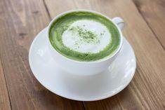 10 reasons to drink matcha green tea, plus a delicious matcha latte recipe! #matcha #nutrition #healthtrend