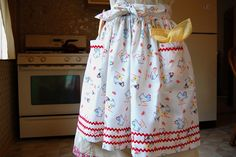 Talk about vintage , this apron project is old school , for real! The pattern is cut from exactly one yard of fabric with hardly any was...