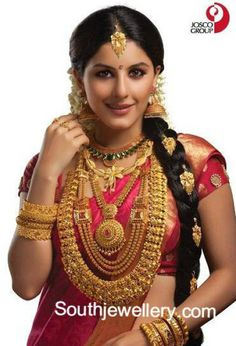traditional south indian bride in heavy gold n red silk saree Indian Bridal Outfits, Indian Bridal Wear, Indian Wear, Indian Style, Kerala Bride, Hindu Bride, South Indian Weddings, South Indian Bride, Saree Wedding