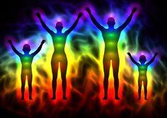 Aura otacza ludzkie ciało, dlatego każde jej osłabienie naraża nas na utratę życiodajnej energii. Oto trzy potężne techniki wzmacniające aurę.