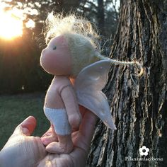 """Pflanzenfaerberin*Tuva - Mini Fae Doll (12 cm/ 5 in. small) """"Fae"""" is an old word for fairy and that´s how the fairies that I know call themselves."""