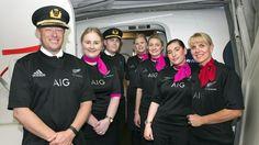 Comme promis, les Australiens de la compagnie Qantas ont navigué avec le maillot des All Blacks - Coupe du monde 2015 - Rugby - Rugbyrama