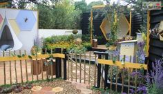 Melbourne International Flower and Garden Show 2015 - Leaf, Root & Fruit Gardening Services Hawthorn