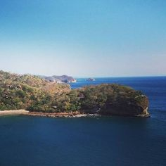 We wish you all a radiant Wednesday! Amazing view of Playa Gigante from  Giant's Foot in Nicaragua by @aquawellnessresort #beautifullatinamerica | ¡Les deseamos a todos un radiante miércoles! Increíble vista de Playa Gigante desde Pie de Gigante en Nicaragua #latinoamericahermosa