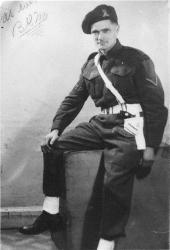 Blake Gordon MacArthur Born: 1916 - Kingston, Ontario Passed: 1963 - Kingston, Ontario Served: Provost Corp