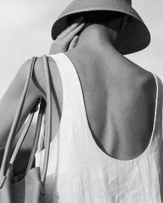 White top with low cut back. Black N White Images, Black And White, Simple Style, My Style, Formal Looks, Beauty Photography, White Photography, Silhouette, Casual Elegance