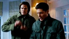 rofl, maybe my favorite SPN :gif: of all time #Supernatural #Dean #Sam>>>>>>THIS is perfection! XD