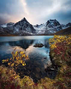 Presents . Yukon Canada, Northern Canada, Autumn Lake, White Sand Beach, Pacific Northwest, Landscape Photography, Beautiful Places, Places To Visit, 1