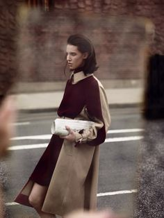 Light Motiv. Ruby Aldridge by Annemarieke van Drimmelen for Vogue Netherlands. Styled by Dimphy den Otter.