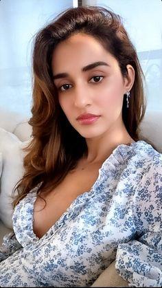 Cute Beauty, Beauty Full Girl, Beautiful Bollywood Actress, Beautiful Indian Actress, Hot Actresses, Indian Actresses, Mohit Suri, Disha Patni, Beautiful Lips