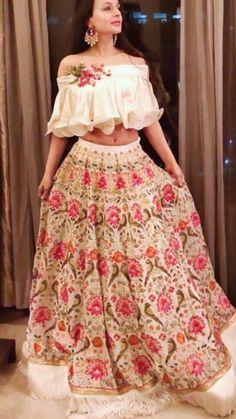 Choli Designs, Lehenga Designs, Blouse Designs, Stylish Dress Designs, Stylish Dresses, Indian Attire, Indian Wear, Indian Dresses, Indian Outfits