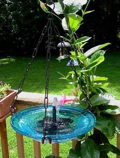 Solar hanging bird bath features bubbler, vivid glass bowl and sturdy iron hanging ring. No operating costs, moving water entices more birds to your place! Glass Garden, Water Garden, Garden Crafts, Garden Projects, Hanging Bird Bath, Backyard Birds, Yard Art, Water Features, Bird Houses
