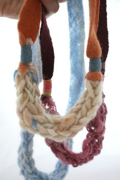 Finger knitted necklace and other kitting projects for kids; knitting along with Martin and Sylvia Finger Knitting Projects, Knitting For Kids, Free Knitting, Sparkle Stories, Fall Crafts For Kids, Kids Crafts, Finger Crochet, Knitted Necklace, Crochet Classes