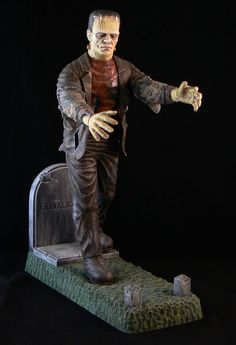 The Aurora Frankenstein Model Universal Classic Monsters. This One Started It For Me. After That I Was Hooked For Life. Retro Toys, Vintage Toys, Childhood Toys, Childhood Memories, Toys In The Attic, Horror Monsters, Frankenstein's Monster, Classic Horror Movies, Famous Monsters