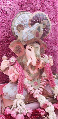 Ganpati Decoration Design, Lord Ganesha Paintings, Ganesh Idol, Ganesh Wallpaper, Ganesh Images, Cake Hacks, Shree Ganesh, Ganpati Bappa, Garland Wedding