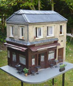 MINIATURE: Dollhouse pub - I really like this.