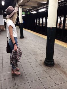 christiescloset:  subway weirdness
