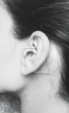 weird and wonderful! may be time for another piercing.... // Khoshtrik | earring