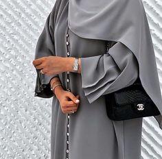 Modest Fashion Hijab, Street Hijab Fashion, Modesty Fashion, Abaya Fashion, Fashion Outfits, Mode Abaya, Mode Hijab, Islamic Fashion, Muslim Fashion