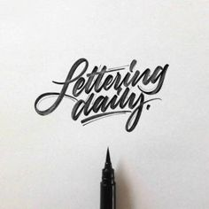 Hand lettering inspiration on a daily basis! Calligraphy and hand lettering for beginners we provide inspirational and educational content on the art of typography! Visit our website to find out more :) Hand Lettering 101, Hand Lettering For Beginners, Hand Lettering Alphabet, Hand Lettering Tutorial, Types Of Lettering, Script Lettering, Brush Lettering, Lettering Design, Handwritten Typography