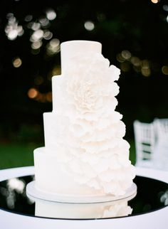 Wedding Cake | See the wedding on SMP: http://www.StyleMePretty.com/southeast-weddings/2014/02/10/marie-selby-botanical-gardens-wedding/ Justin DeMutiis Photography
