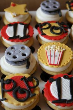 http://www.thecupcakeblog.com/wp-content/uploads/2012/02/Movie-Night-Cupcakes.jpg