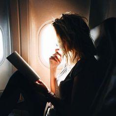 Imagem de book, girl, and travel