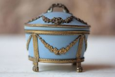 WEDGWOOD ROCOCO COLONIAL CANDLE HOLDER NEW