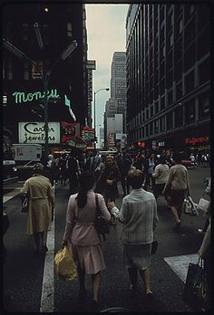State street in downtown Chicago, Illinois, ..10/1973.