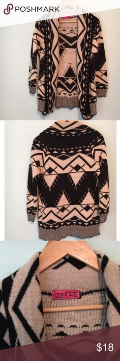 boohoo aztec sweater cardigan boohoo brand aztec printed thick sweater material cardigan. Slight pilling. No size but fits a small best! #boohoo #sweater #cardigan #cardigansweater #aztec #small #black #beige Boohoo Sweaters Cardigans