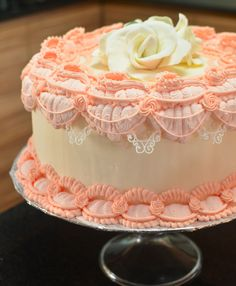 over-piping royal icing | Easy & Fuss-free Overpiping with Royal Icing | SugarlyNice