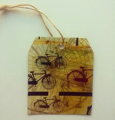 TARJETA DE REGALO.  #papel #reciclaje #paperlove #manualidades #arte #artesania #tarjetas #mensaje #tarjetaderegalo #bicicleta #bike #bikelover