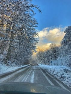 #amazing #skylovers #road #winterwonderland #romania Romania, Art Inspo, Winter Wonderland, Paths, Around The Worlds, Country Roads, Sky, Nice, Amazing