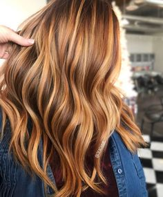 reddish hair and rötliche Haare und Frisuren The most beautiful hairstyles for reddish and lighter hair. Hair Color And Cut, Brown Hair Colors, Hair Colour, Copper Balayage, Balayage Hair Honey, Balayage Hairstyle, Honey Blonde Hair, Ponytail Hairstyles, Hairstyle Ideas