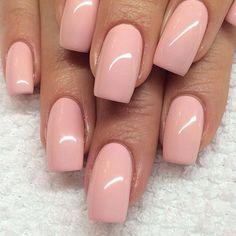 Peach pink neutral nails