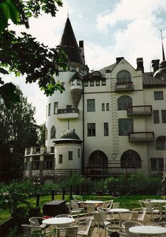 """The """"Imatran Valtionhotelli"""" is a Castel hotel in South-Eastern Finland.and i´ve been there. Helsinki, Finnish Language, Scandinavian Countries, Art Nouveau, Travel Memories, Best Cities, Places Around The World, Monuments, Where To Go"""