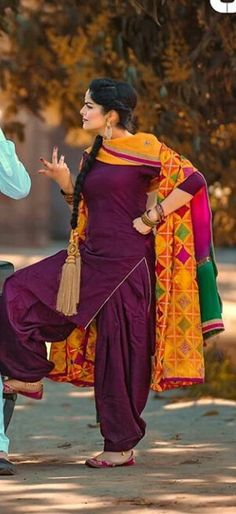 New Punjabi Suit, Punjabi Suit Simple, Punjabi Salwar Suits, Punjabi Dress, Designer Punjabi Suits, Patiala Suit, Indian Designer Outfits, Salwar Kameez, Churidar