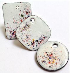 B141257 Torch Enameling: Back to the Basics - Steven James Wed. June 4 • 8:00am-11:00am Use your butane torch to hand-fire enamel onto metal and discover endless design ideas with completely unique outcomes every time you fire! In this new class, Steven will introduce you to glass confetti, his secret weapon against firescale, and teach you how to make your own rubber texture stamps. http://www.beadandbuttonshowstore.com/b141257.html