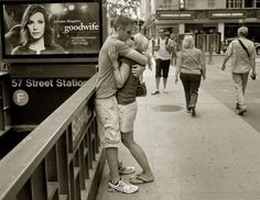 New Yorkers Kissing in Matt Weber's Photo Project